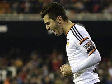 El jugador del Valencia celebrando un gol