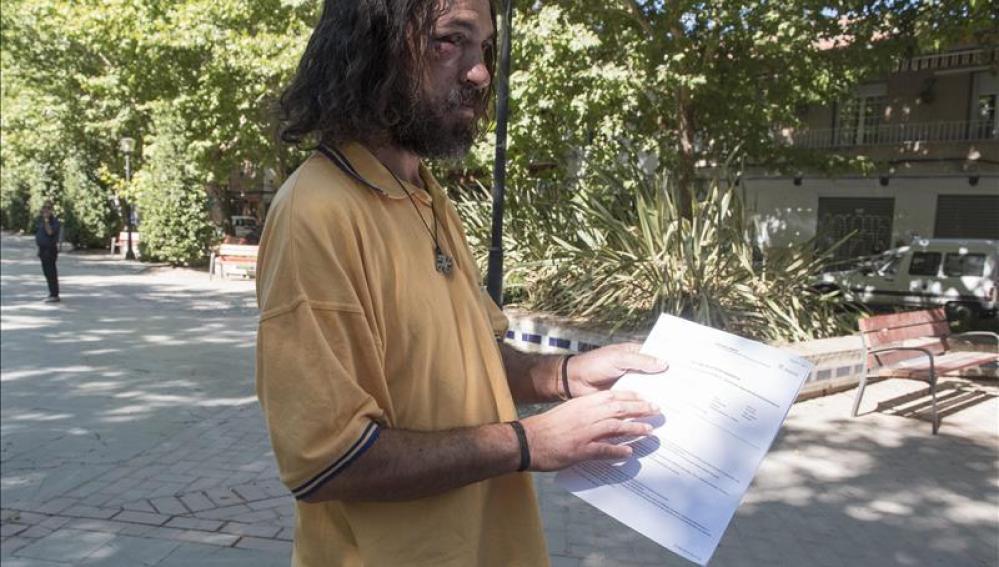 Marcos, el indigente de 36 años apaleado en Granada.