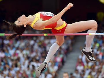 Ruth Beitia, durante un salto