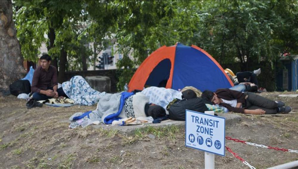 Campamento de refugiados en Hungría