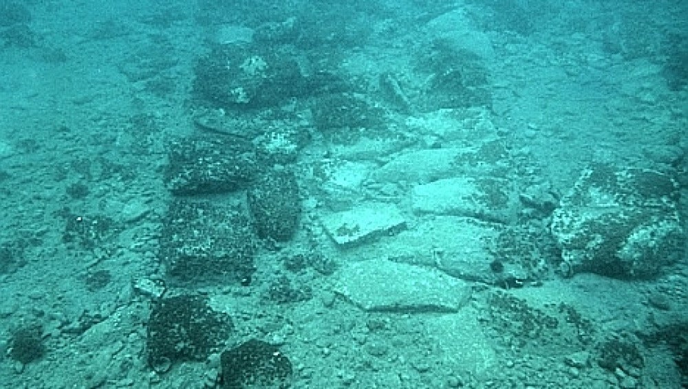 Parte de la fortificación descubierta bajo el mar Egeo