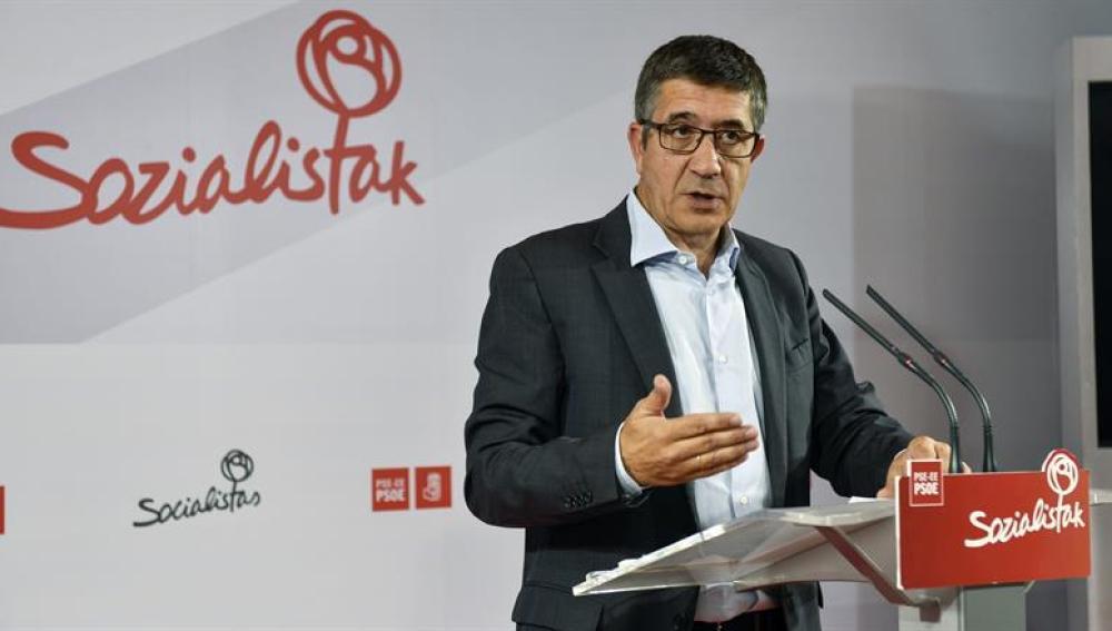 Patxi López, durante una rueda de prensa en la sede del PSE-EE en Bilbao.