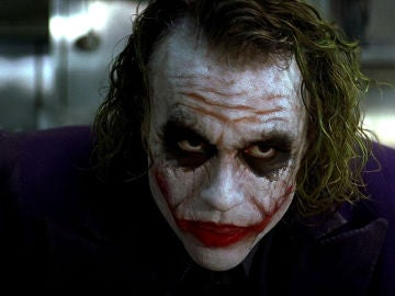 Heath Ledger caracterizado como el Joker