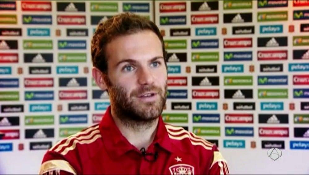 """Frame 35.582215 de: Mata: """"Van Gaal es un entrenador con personalidad fuerte, como él dice no es sencillo"""""""