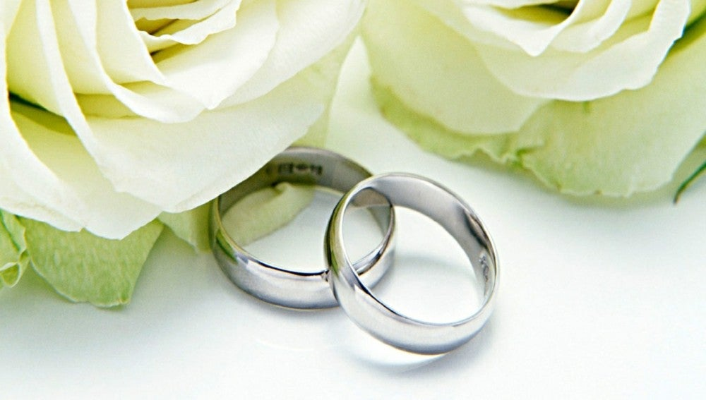 513eee1da69e Recupera un anillo de boda perdido hace catorce años en una playa y ...