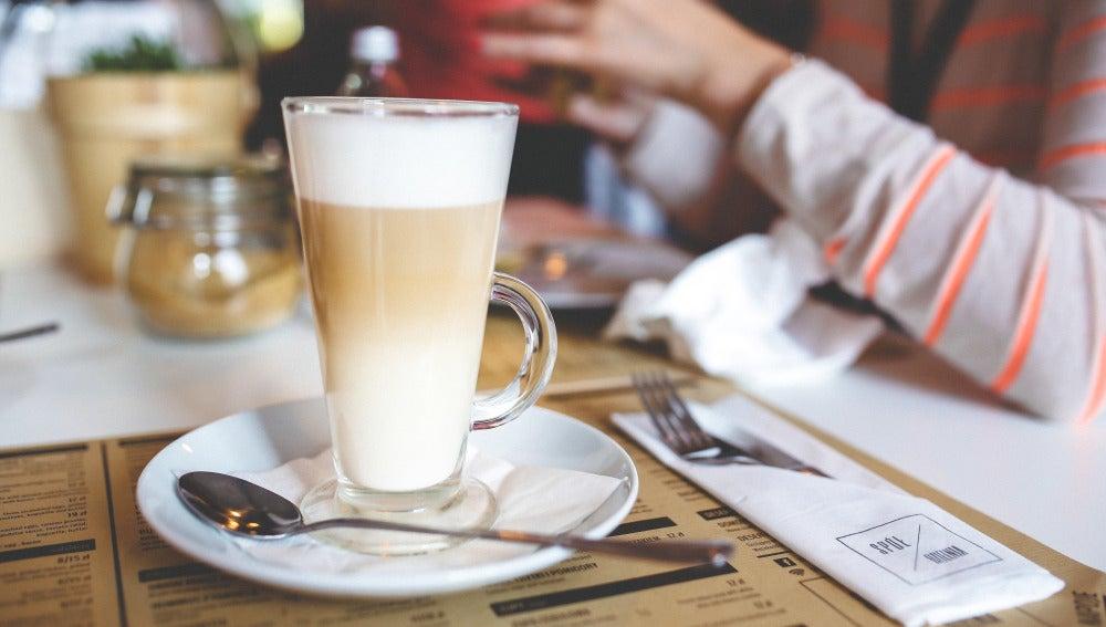 Beber café y dormir, SÍ SE PUEDE.