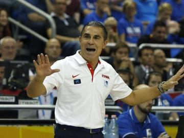 El seleccionador nacional Sergio Scariolo durante el partido