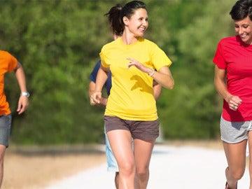 Cuatro razones para hacer deporte en grupo