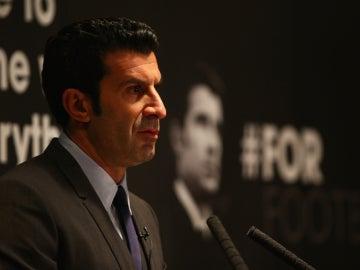 Luis Figo, durante una rueda de prensa