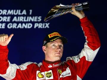 Raikkonen, en el podio