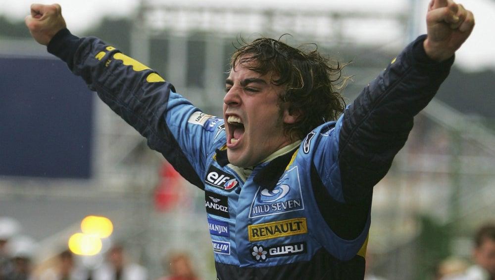 Alonso, exultante tras ganar su primer Mundial