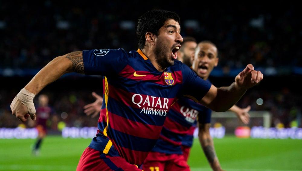 Luis Suárez celebra su gol contra el Leverkusen