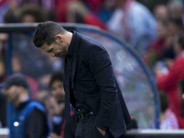 Simeone, durante el partido contra el Benfica