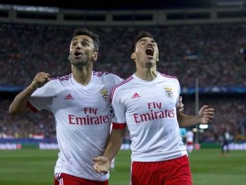 Gaitán celebra su gol contra el Atlético de Madrid