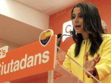 Inés Arrimadas, líder de Ciudadanos en Cataluña, durante una rueda de prensa