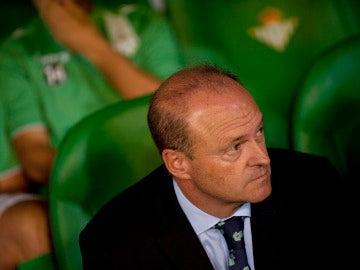 Pepe Mel, en el banquillo del Betis