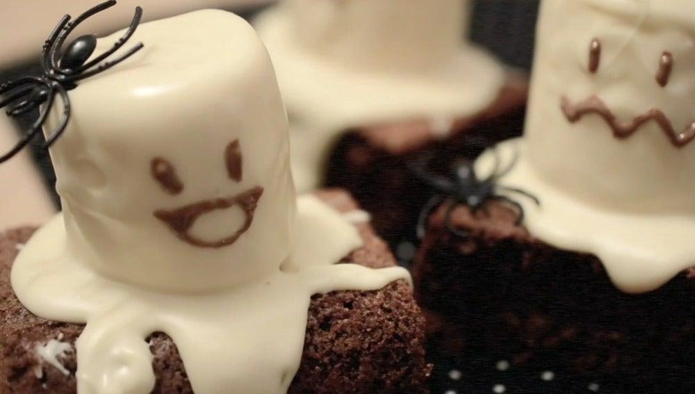 los fantasmas de halloween de bocados divinos.