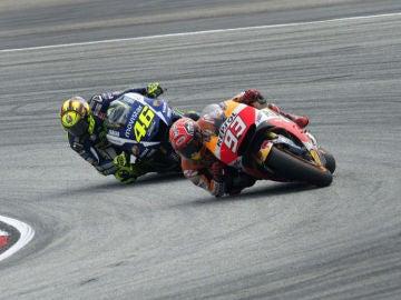 Rossi y Marc Márquez, en Sepang