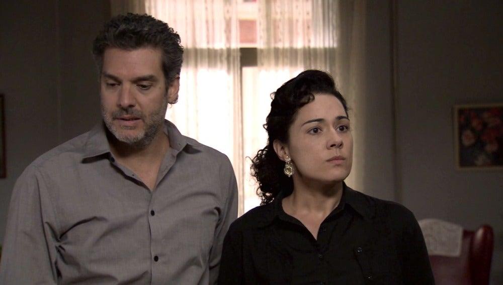 Eladio y Pepa Montilla reciben la noticia de que El Charro vuelve a Madrid