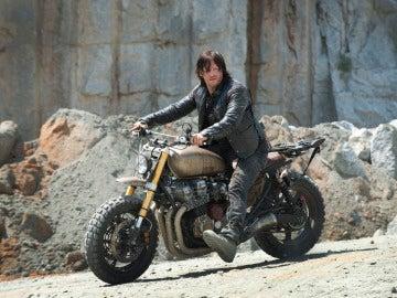 Daryl con su moto en 'The Walking Dead'