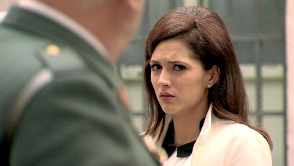 Guillermo interroga incómodamente a Sofía