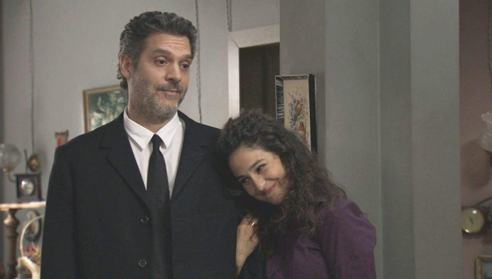 Eladio y su hija contentos