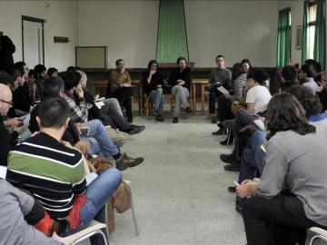 El equipo electoral de Podemos durante la votación del borrador