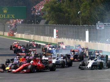 Toque entre Vettel y Ricciardo