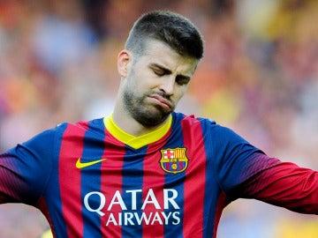 Gerard Piqué se lamenta durante un partido con el F.C Barcelona