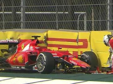 Vettel, con su Ferrari accidentado