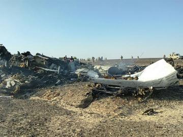 Restos del avión ruso siniestrado en la península del Sinaí