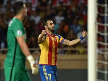 Álvaro Negredo, en un partido con el Valencia
