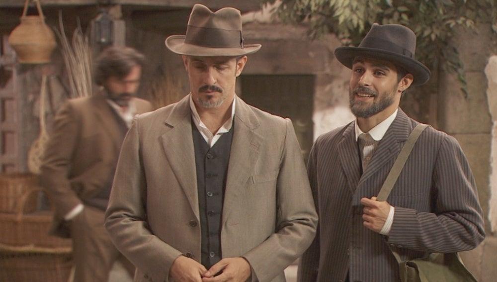 Los hermanos Castañeda continúan vigilados