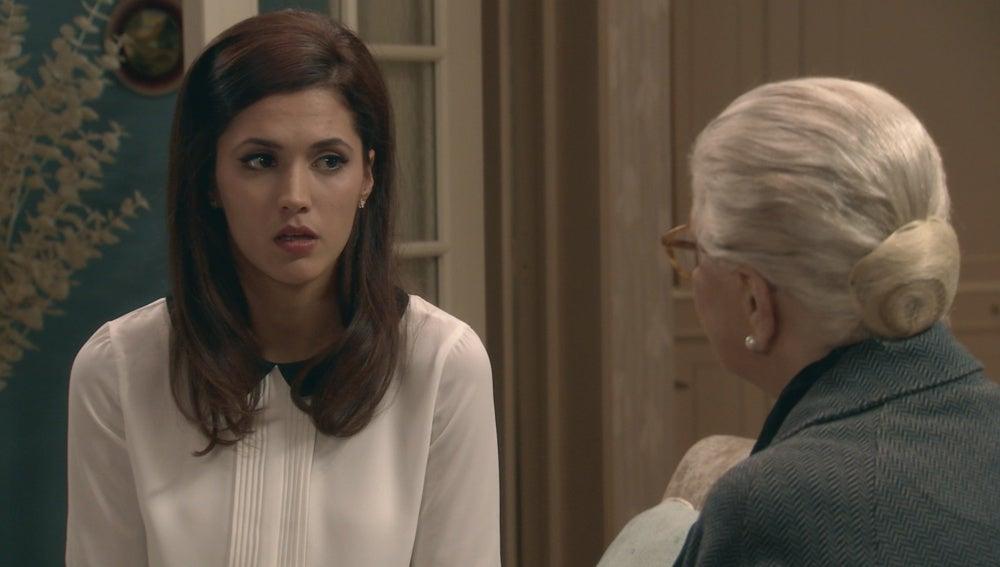 Sofía encuentra en Emilia una confidente