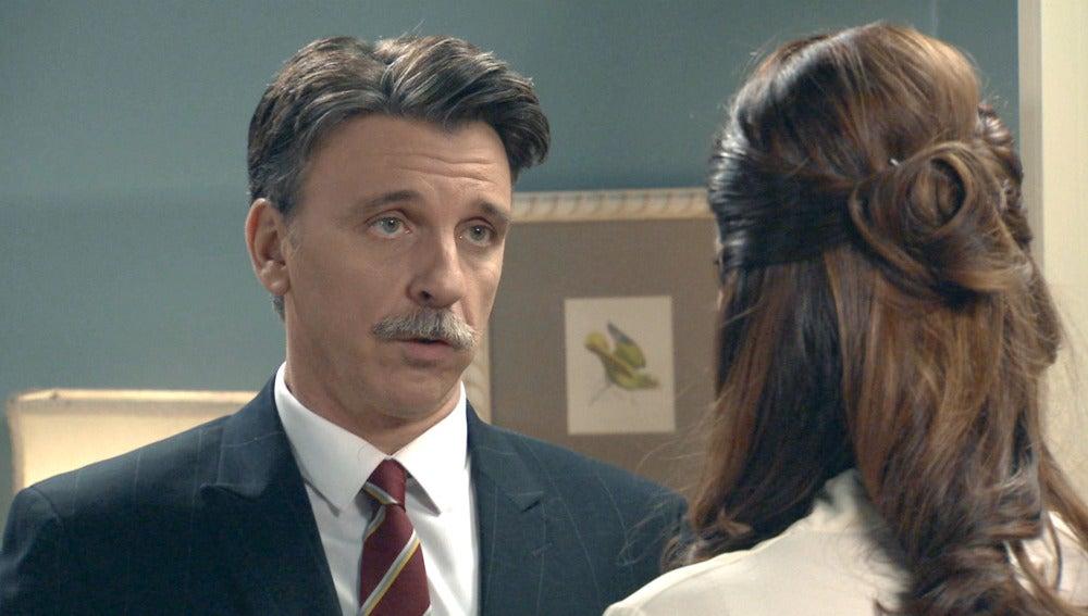 Tomás quiere recuperar a Sofía y Adela