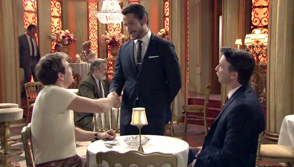Miguel contrata a Guillermo