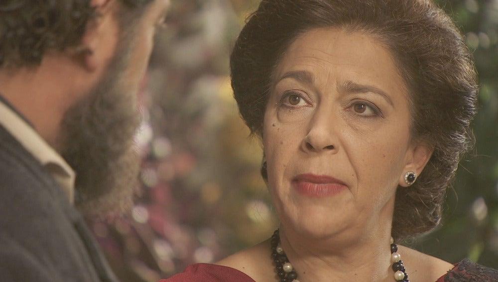 Francisca no confía en la supuesta perfección de Berta