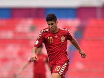 Asensio, en un partido con España