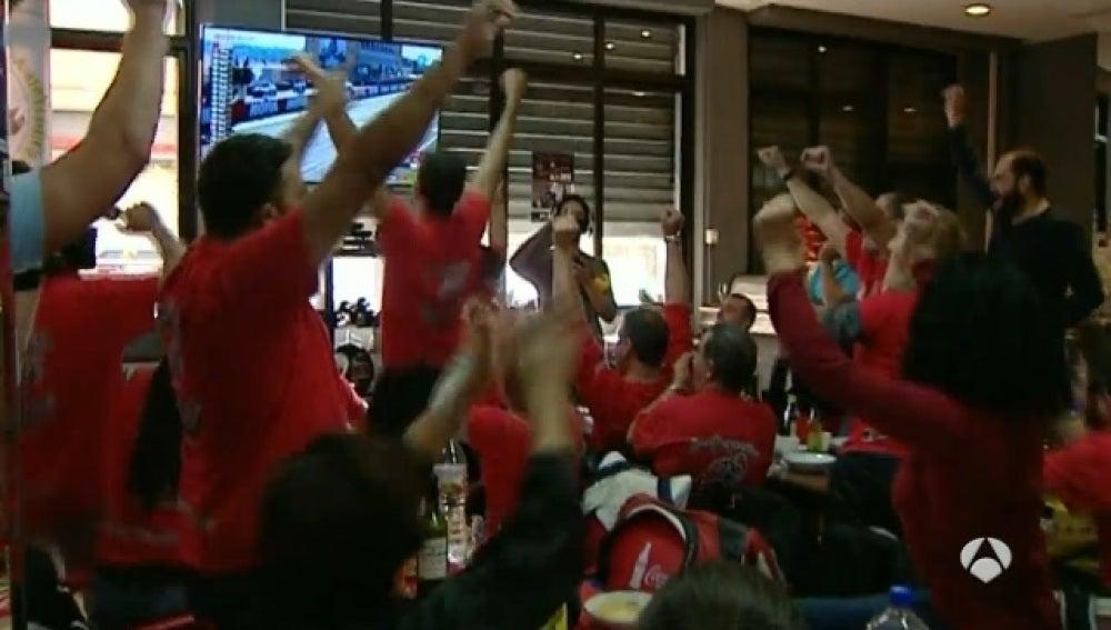 Seguidores de Jorge Lorenzo celebran el título