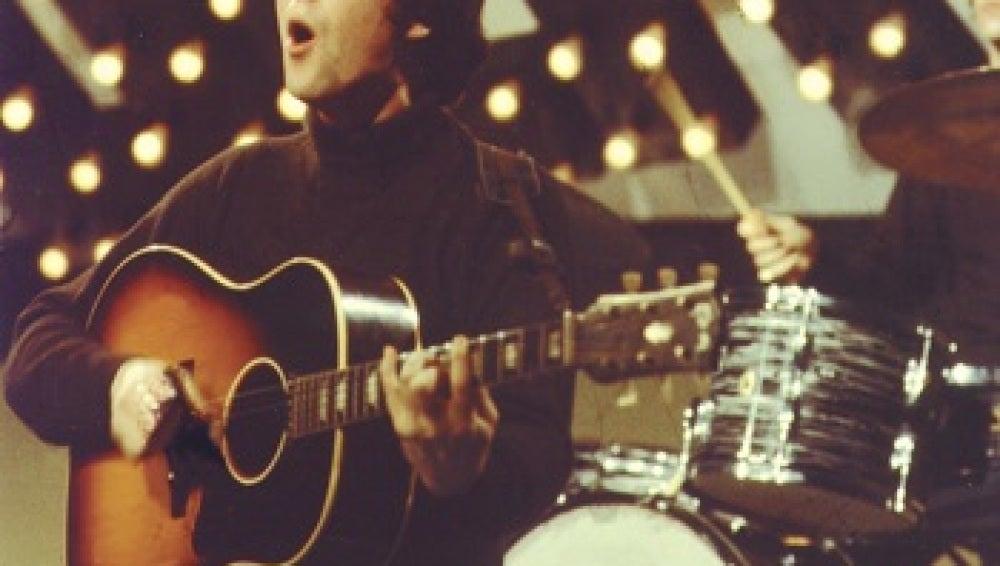 John Lennon con su Gibson J-160E