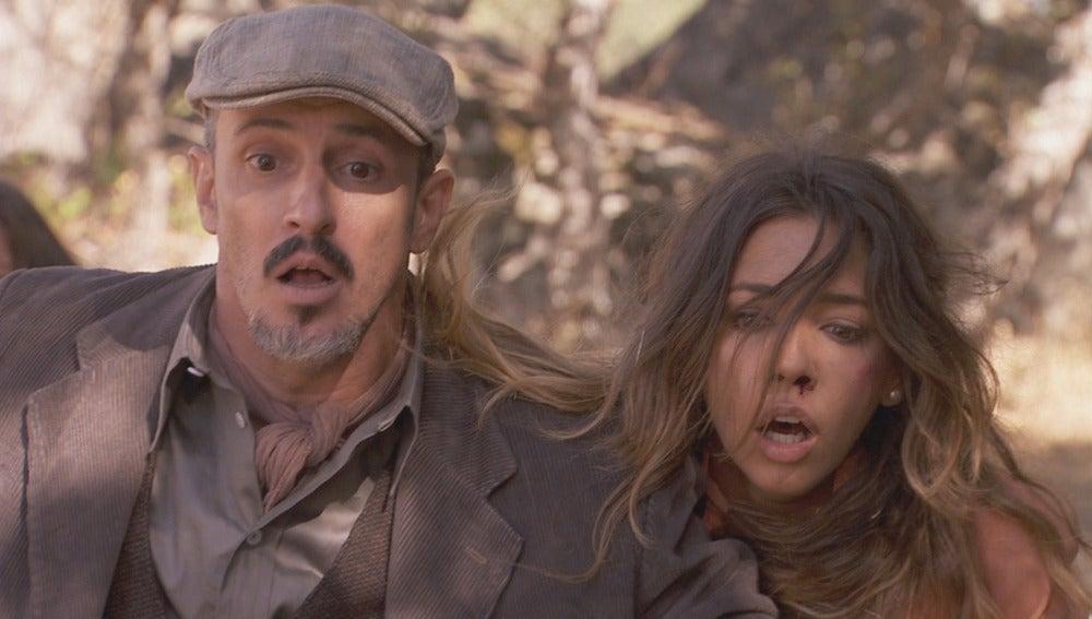 Guillermo intenta disparar a Emilia durante el rescateGuillermo intenta disparar a Emilia durante el rescate