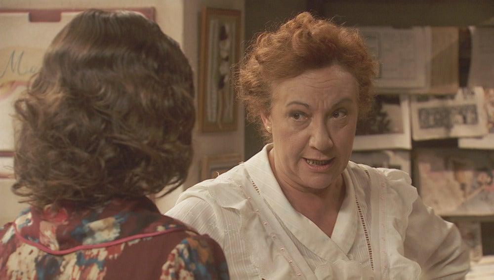 Dolores está muy preocupada por la amnesia de su hijo
