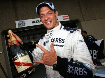 Alex Wurz celebra un podio con Williams