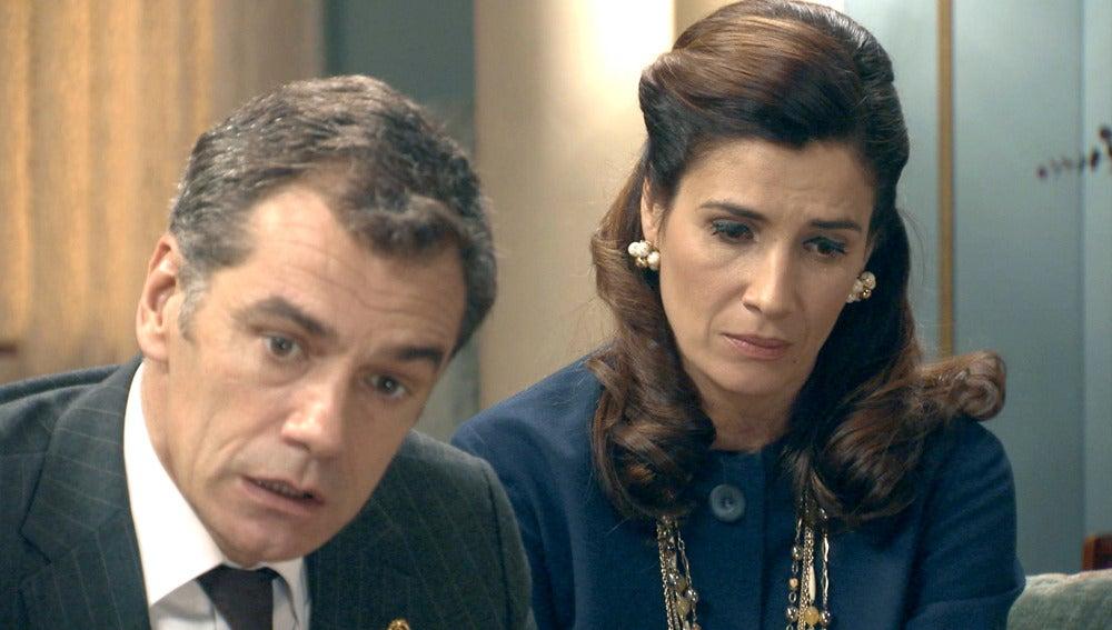 Eugenio se siente muy presionado por su situación con Adela