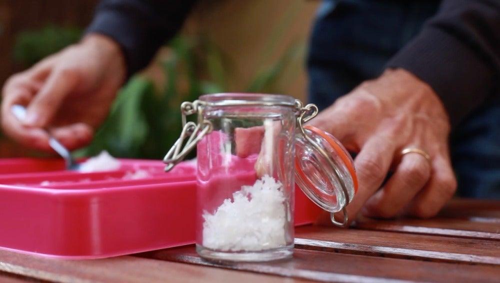 Foodies, lo de hacerse sal en casa ya es una realidad.