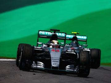 Hamilton, por delante de Rosberg