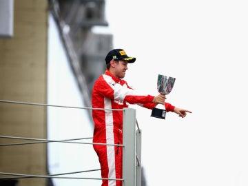 Vettel, en el podio de Brasil