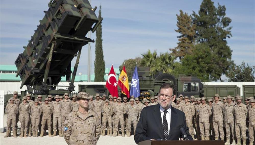 Mariano Rajoy durante su visita a las tropas españolas