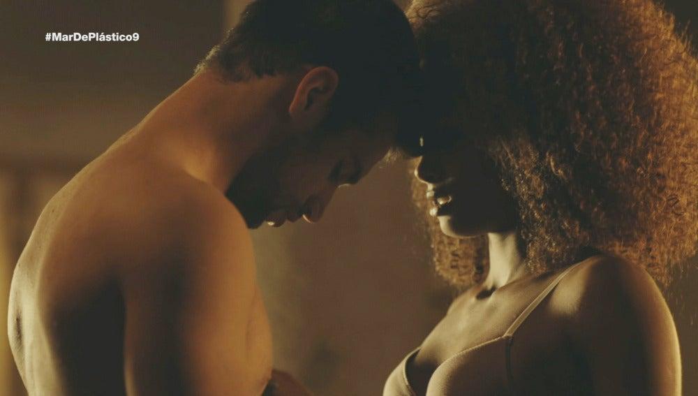 Lucas y Fara hacen el amor