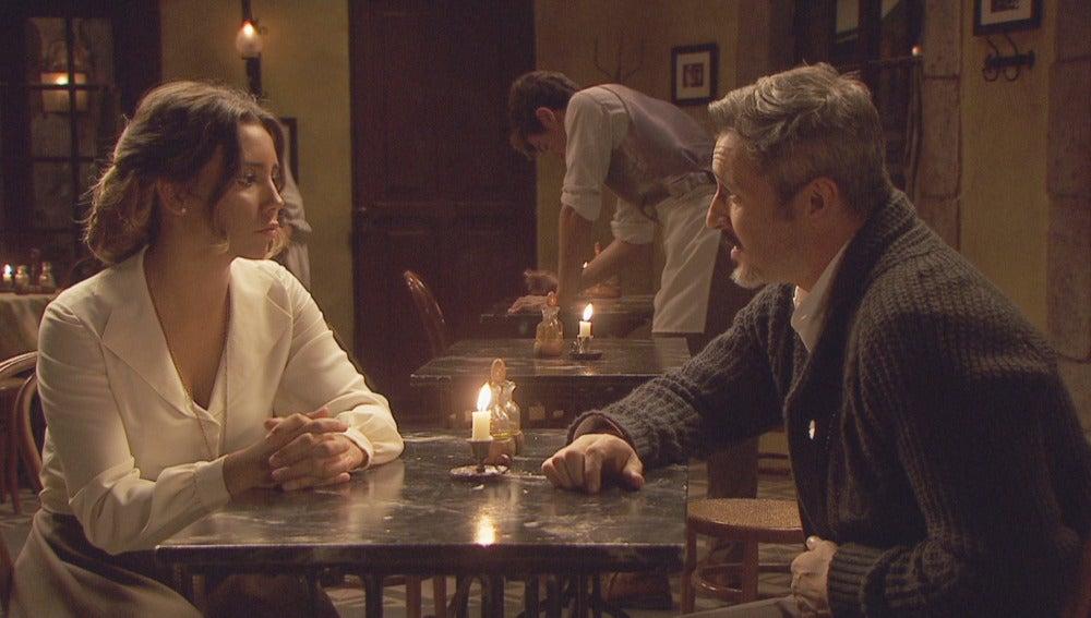 Alfonso agradece a Emilia todos sus cuidados
